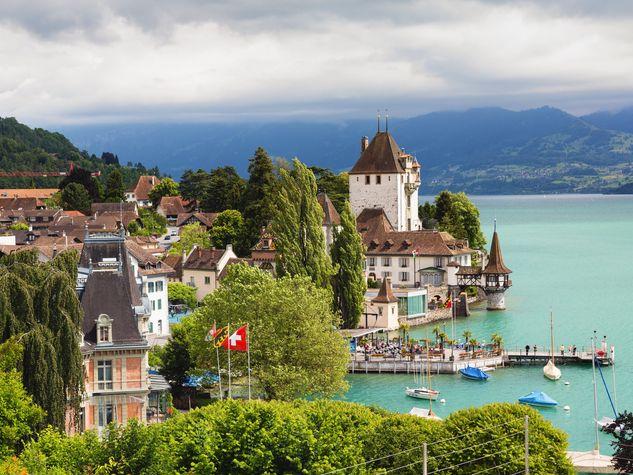 Svizzera_o_su_horizontal_fixed